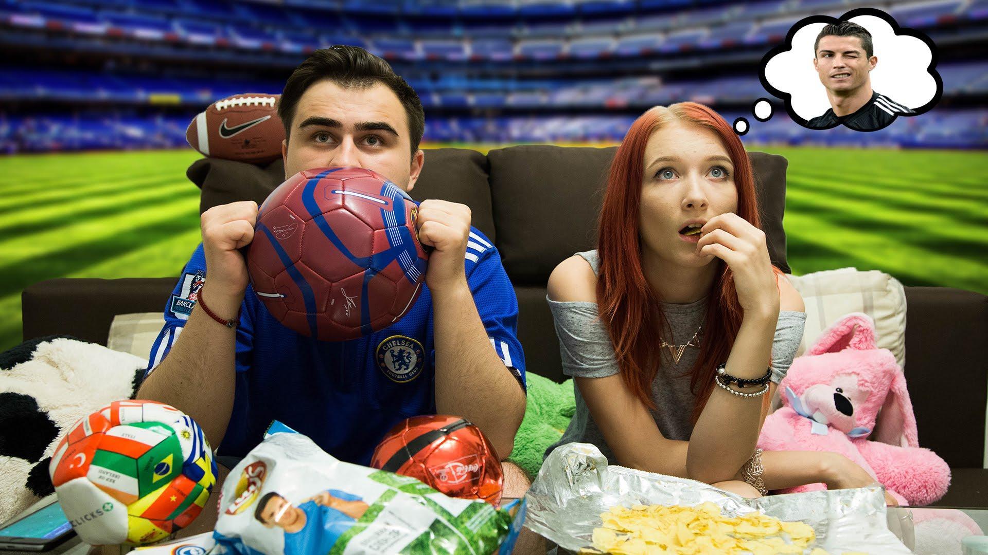 Трахнул пока муж смотрел футбол с другом, Жена тихо изменяет мужу с его лучшим другом во время 14 фотография