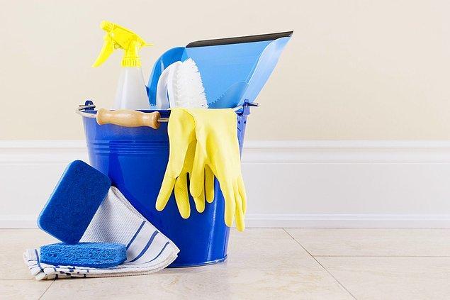 3. Eve misafir gelecekse ve temizlik için vaktiniz kısıtlıysa, sadece tuvaleti/banyoyu temizleyin.