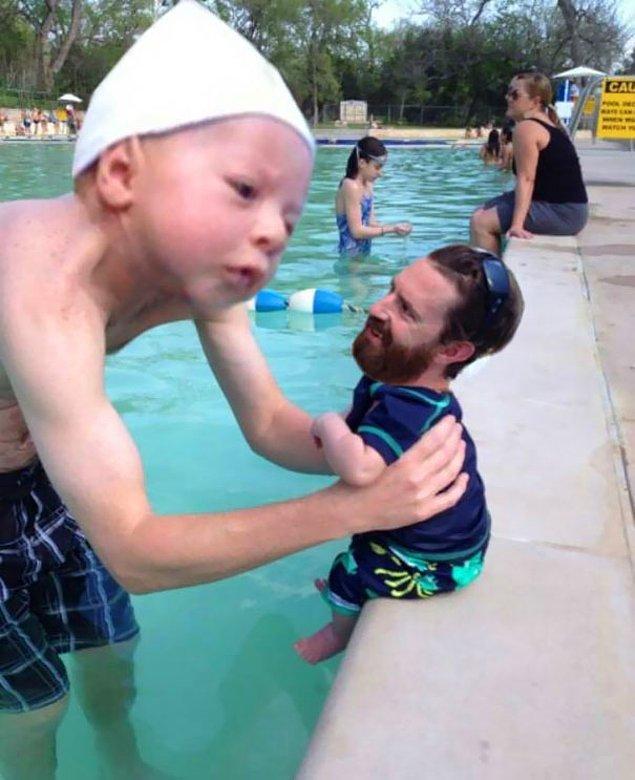 """19. """"Arkadaşım oğlunu geçenlerde havuza götürdü. Dayanamadım."""""""