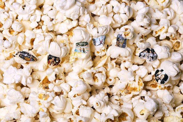 Artasnack (atıştırmalık sanat) projesinde çeşitli film sahneleri patlamış mısır tanelerinin üzerinde yer alıyor!