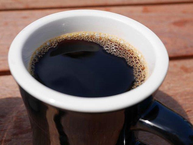 7. Kahvenizi yarı 'decaf' olarak içme alışkanlığı edinin.