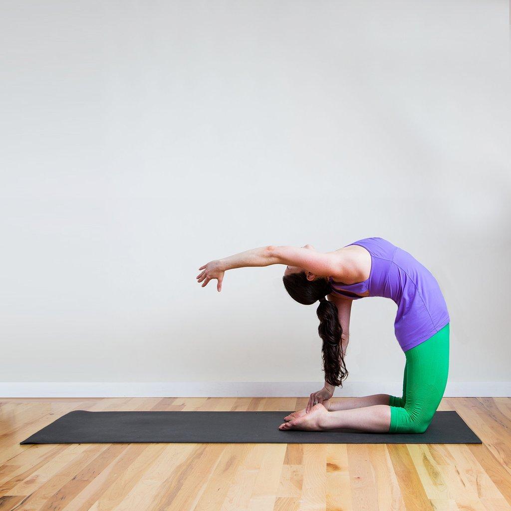 картинки с позой йоги легко наряда может