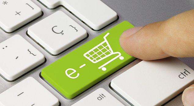 1 Şubat 2018 tarihinden itibaren kredi kartıyla yapılacak alışverişlerde artık müşteri onayı gerekecek. Kart sahipleri bankalarına bildirimde bulunmadığı takdirde online alışveriş yapamayacak.