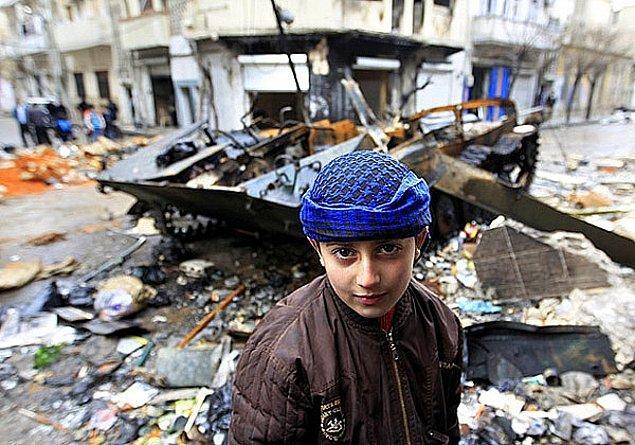 Unicef raporunda, savaş ve çatışmaların ortasındaki çocukların giderek daha fazla silah olarak kullanılmaya başlandığını belirtti.