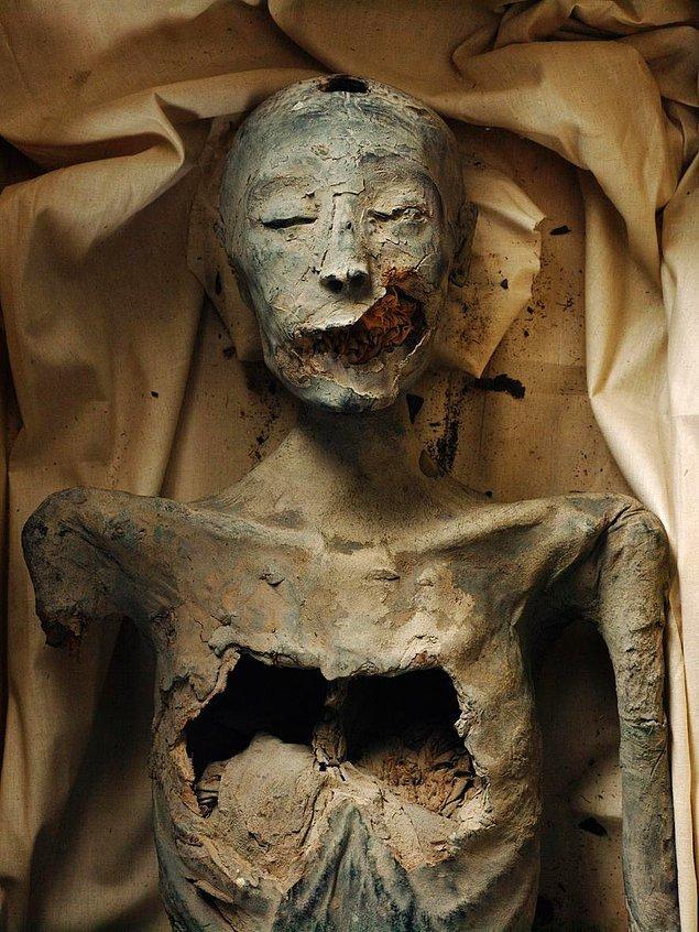 "Tutanhamon'un Annesi ""Kiya"""