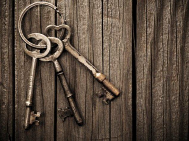 7. İskeleti araştırırken bir anahtar buldun. İlerde lazım olur diyerek aldın. Şimdiki planın ne?