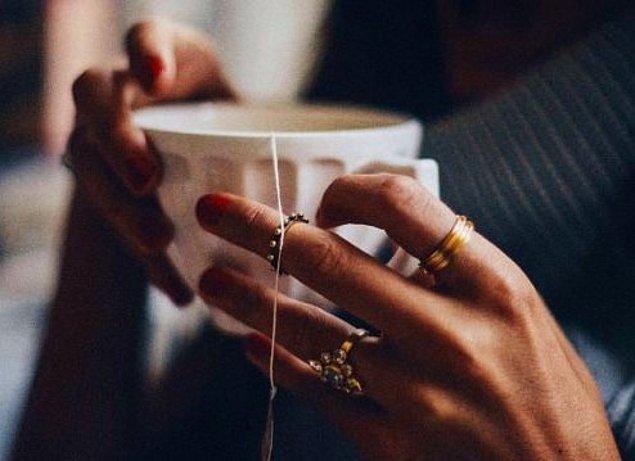 2. Kahve yerine yeşil çay tüketin.