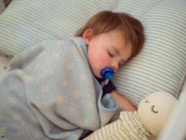 6. Bir uyku arkadaşı edinmesini sağlayın.