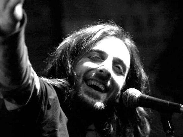 BONUS: Karadeniz'in eşsiz müziğinin en hasını dinler; şair ceketli çocuk Kazım Koyuncu'nun şarkılarını ezbere bilir.