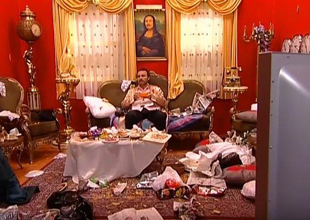 6. Eve girdiğinizde sizi dağ gibi birikmiş bulaşıkların ve çöplerin karşılaması