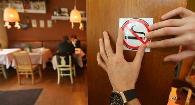 2. Kapalı mekanlarda sigara içme yasağı resmen uygulanmaya başladı. O gün bugündür içeride sigara içmiyoruz.