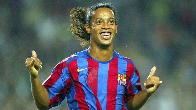 PSG yıllarını unutturan bir Barcelona kariyerine başlangıç yapan Brezilyalı futbolcu, futbol dünyasını kendisine hayran bırakmayı başarmıştı.