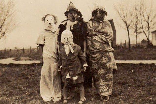 4. Era Cadılar Bayramı Maskeleri