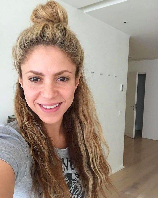 25. Shakira