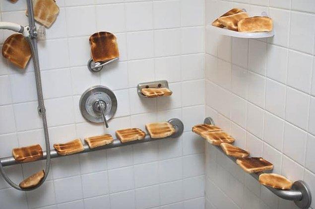 13. Hamile eşi, sıcak (toasty) bir duş almak istediğini söyleyince bu duşu hazırlayan adamın espri yeteneği hayranlık uyandırıcı.