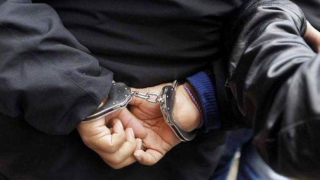 Çodhuri'nin polisi araması sonucu dolandırıcılar kısa sürede gözaltına alındı.