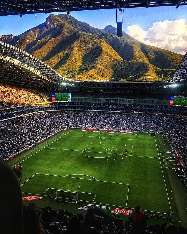 11. Biz evimize deniz manzarası ararken Meksika'daki Monterrey Stadyumu'nun manzarasına ne demeli?