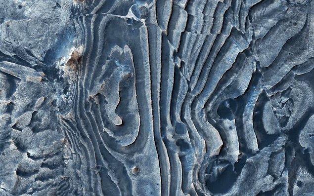18. Mars'taki pürüzlü yüzeyler