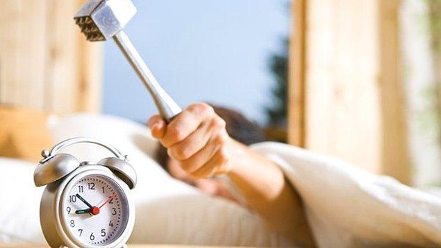 9. Son olarak erken kalkmanın zor olduğunu biliyoruz fakat sabahları kaçta kalkıyorsun?
