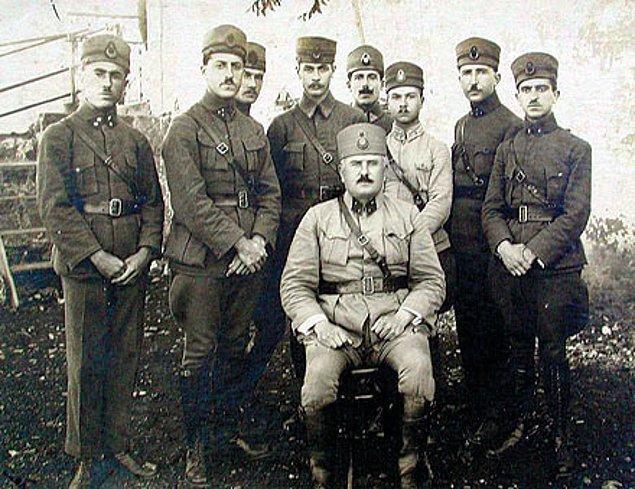 Bir ateşkes antlaşması olarak Mondros geçici birtakım şartları beraberinde getiriyordu. Osmanlı'yı esas barış antlaşmasında İtilaf tarafının isteklerini kabule razı edecek bir düzen amaçlanmıştı.