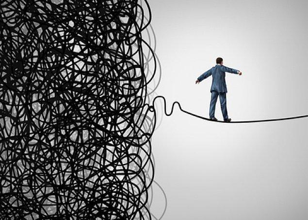 9. Sizi gelecekte nelerin beklediğine dair bilgi edinin, belirsizlik varsa kısa süreli planlar yapmaya çalışın.
