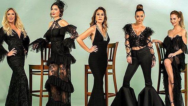 Kanal D'nin gündüz kuşağında şu sıralar çok konuşulan bir reality show var: Sosyetik Ev Kadınları!