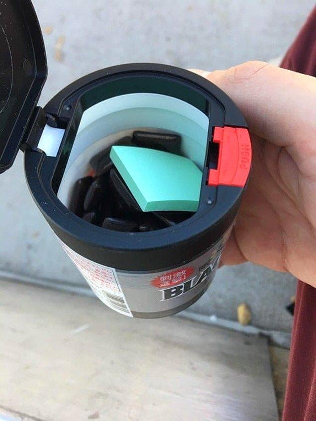 7. Sakız kutusundan çıkan kağıtlar sayesinde sakızınızı atarken kağıda tükürebilirsiniz.
