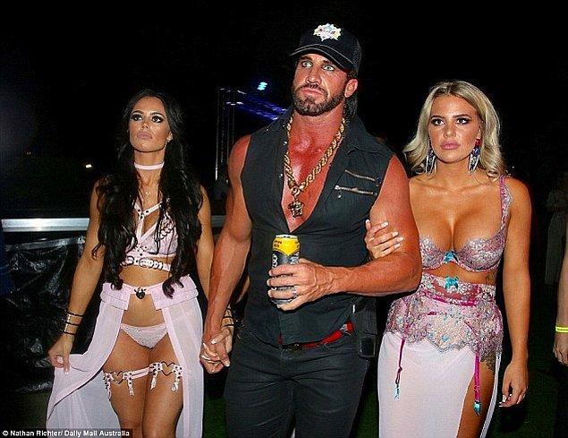 Birçok partiye eşi ve kız arkadaşı ile birlikte katıldıkları için bu 'playboy' yaşam tarzı kimsenin kalbini kırmıyormuş.