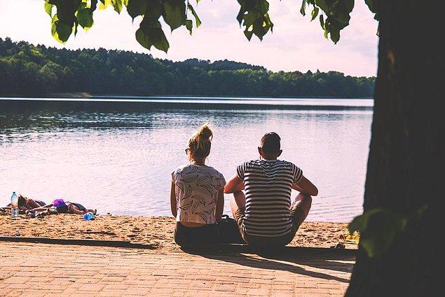 4. Herkesin bazen durup, nefes almaya ihtiyacı vardır. Destekleyici bir partner bunu hisseder, bu konuda yardımcı olmaya çalışır.