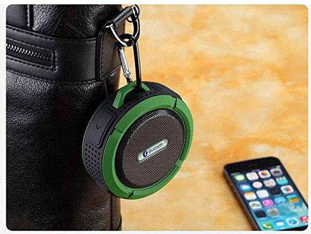 7. Nereye tatile giderseniz gidin, müziğinizi yanınızda taşımanıza olanak sağlayan bu minicik hoparlör