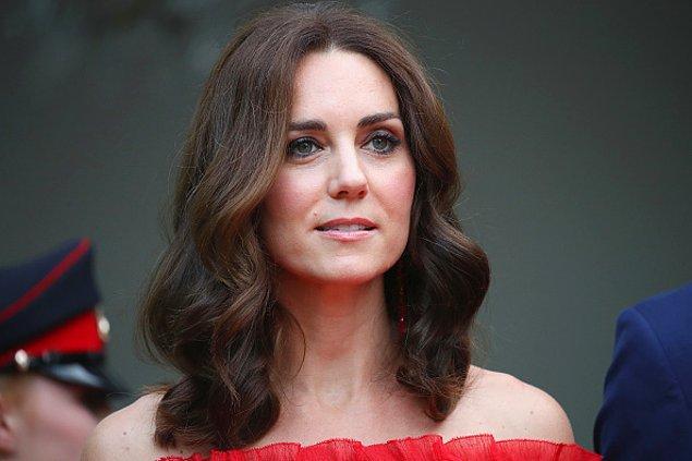 Prensesin saçları da düşman çatlatacak kadar güzel! Bu denli sağlıklı ve doğal görünen saçlarını da birkaç küçük numaraya borçlu.