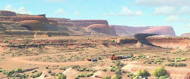 6. Arabalar filmindeki dağlar ve tepeler araba kaportası şeklinde!