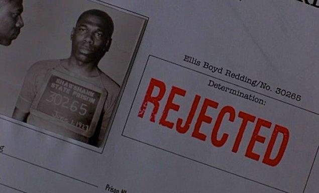 29. Esaretin Bedeli'nde Morgan Freeman'ın canlandıdığı karakterin polis kayıtlarındaki gençlik fotoğrafı için oğlunu kullandılar.