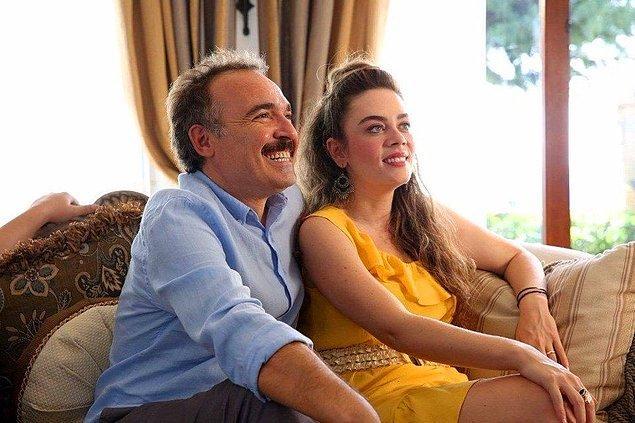15. Aile Arasında 5 milyon izleyici barajını da geçti ve böylece tüm zamanların en çok gişe yapan Türk filmleri listesinde 8. sıraya yükseldi!