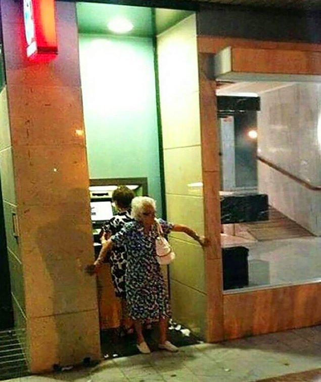 2. ATM'de yüksek güvenlik önlemi!