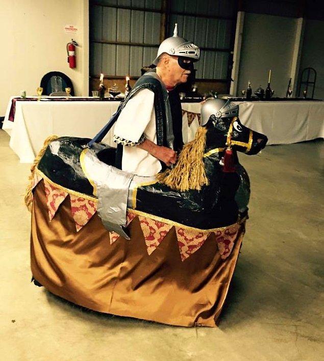9. Orta Çağ temalı düğünün prensi 😂