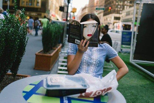 Bonus: New York'lu Fotoğrafçı Jonathan Higbee'nin kadrajına takılan tesadüfler.