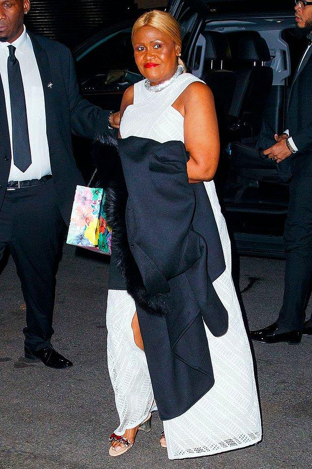 Rihanna'mızın biricik annesi ve hatta yeğenleri de en az kendisi kadar şıktı...