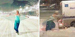 Мужчина, одетый в костюм Эльзы, вытолкнул застрявшую в снегу полицейскую машину ❄😂