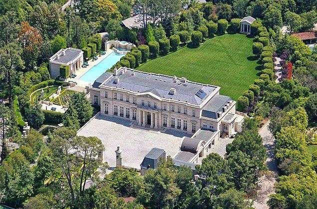 Bu muhteşem yapı, Los Angeles'ın en pahalı evlerinden.