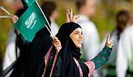 В Саудовской Аравии женщинам разрешили снять абайи