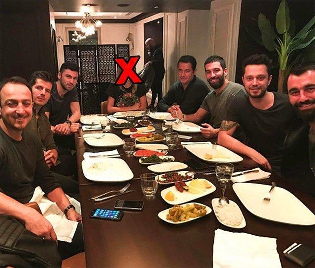 Haftada bir gün erkek arkadaşlarıyla yemeğe gidebilir. Mekan bildirmek kaydıyla masada başkalarının kız arkadaşları olmayacak.