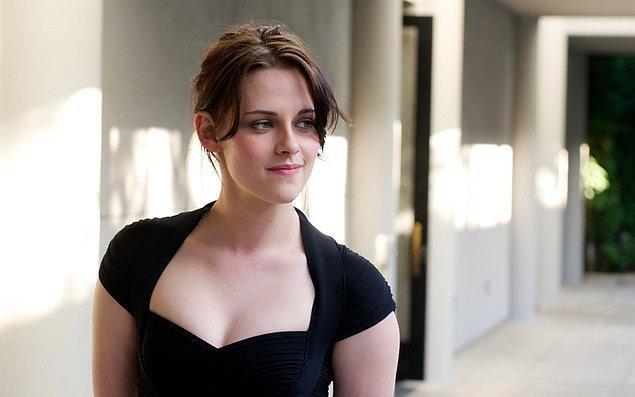 2012 yılında daha feminen modeller ve stil tercih etmeye başlayan Kristen, adeta o yıl son bulan Alacakaranlık serisini bitirip genç kız ruhundan koptuğunu kanıtlar gibiydi.