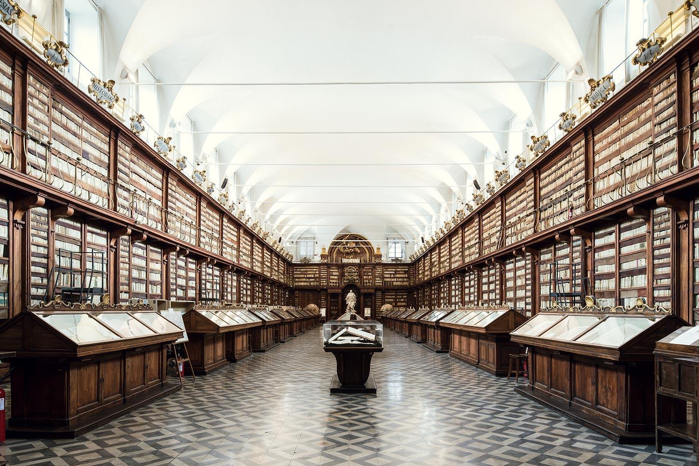 настоящее время картинка первой библиотеки в мире следует носить