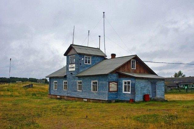 Невозможно поверить, что такое действительно существует: 9 деревянных аэропортов России