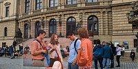 Девушка решила показать, как много знаменитых фильмов на самом деле снимается лишь в одном европейском городе - Праге