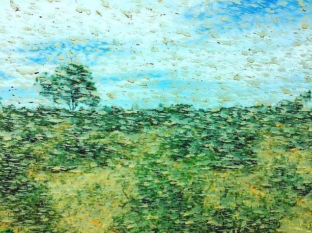 10. Araba camında çamurdan ötürü oluşan resim