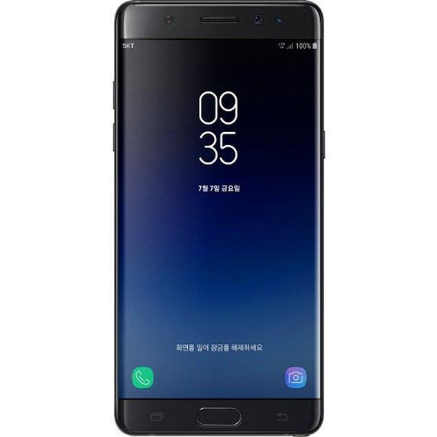 6. Özel kalemi sayesinde not alma özelliğiyle annelerin kalbini çalmaya gelen Samsung Galaxy Note Fan Edition Dual Sim