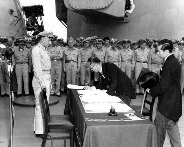 2. Kuril Adaları Sorunu nedeniyle, Japonya ve Rusya hâlâ İkinci Dünya Savaşı'nı sona erdirmek için bir barış antlaşması imzalamadılar.