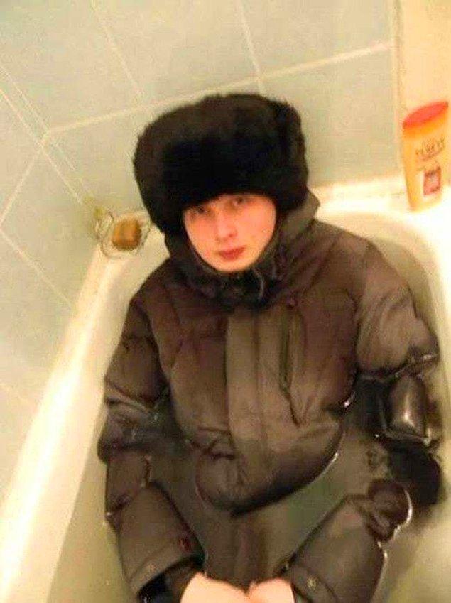"""25. """"Rus olduğumu belli etmemem lazım"""""""